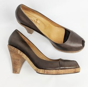 Coclico | Soft Tan Brown Leather Block Wood Heels